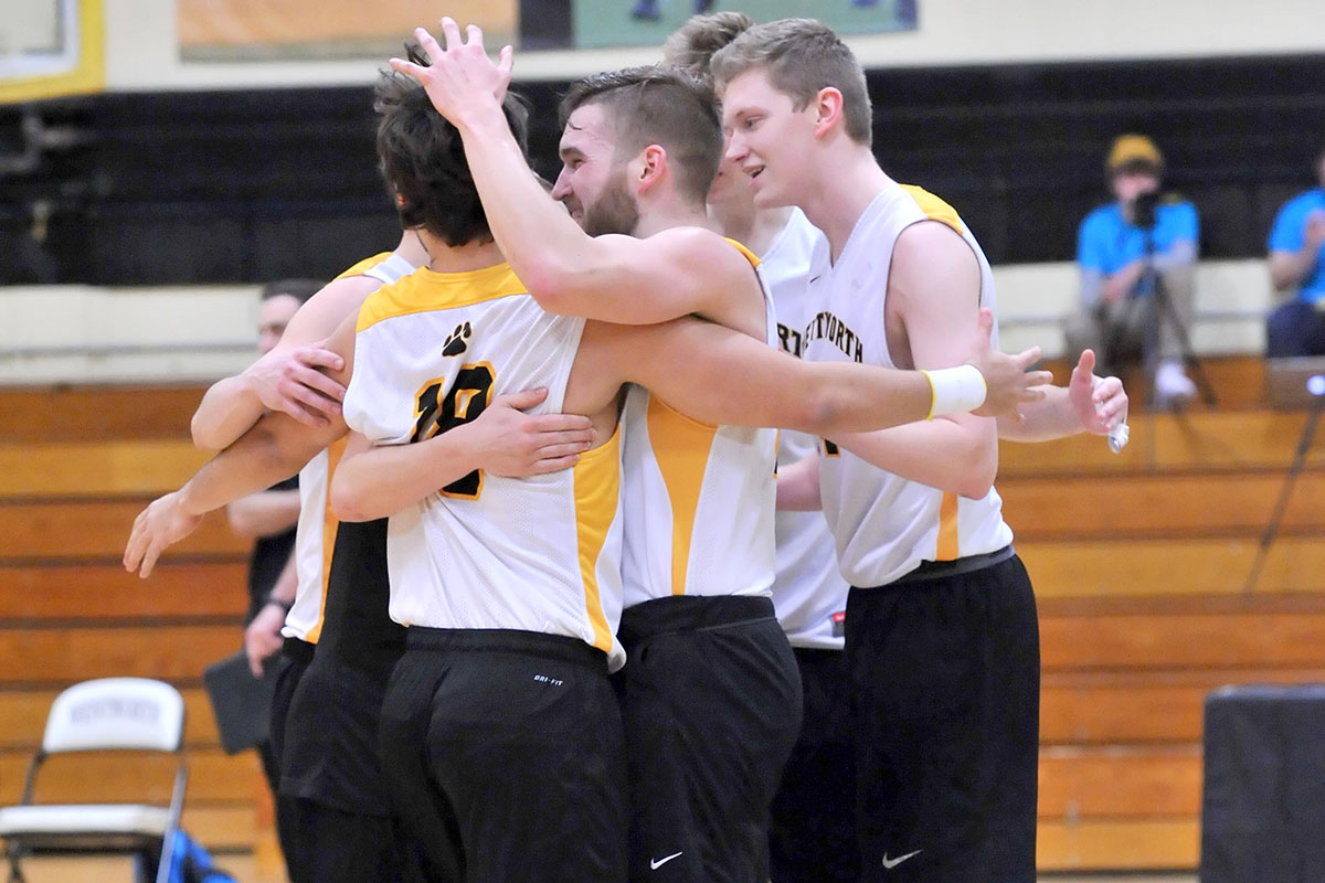Balanced Attack Lifts Men's Volleyball to Second Straight Win