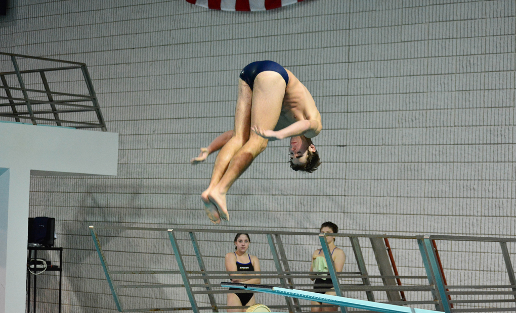 Burke, Kushner Complete NCAA Diving Regional Competition in San Antonio