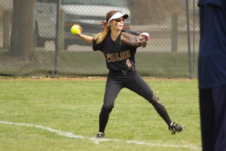 Softball Falls To Findlay
