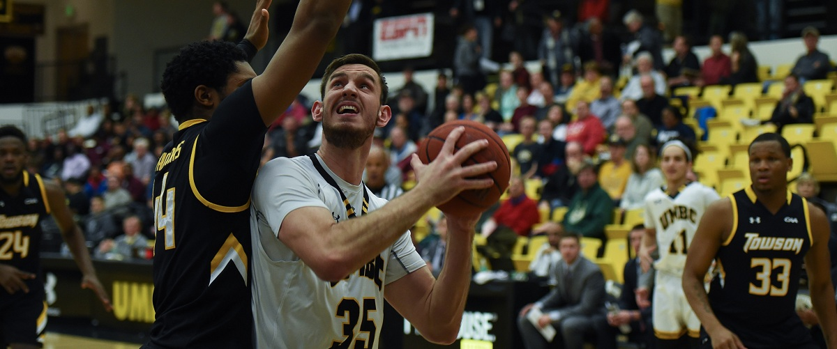 Men's Basketball Completes Long Week on Road at Maine in Saturday Matinee