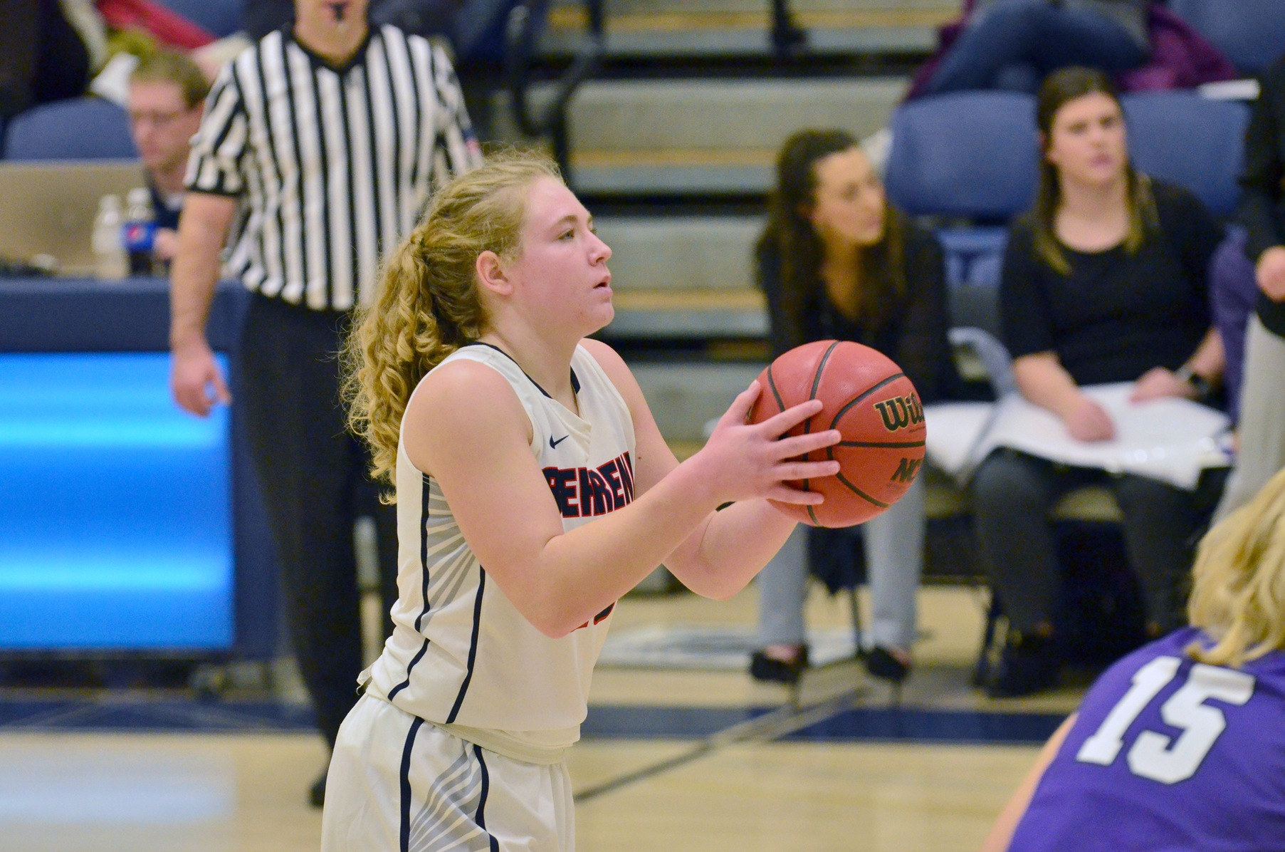 Women's Basketball Outlasts Altoona in AMCC Action