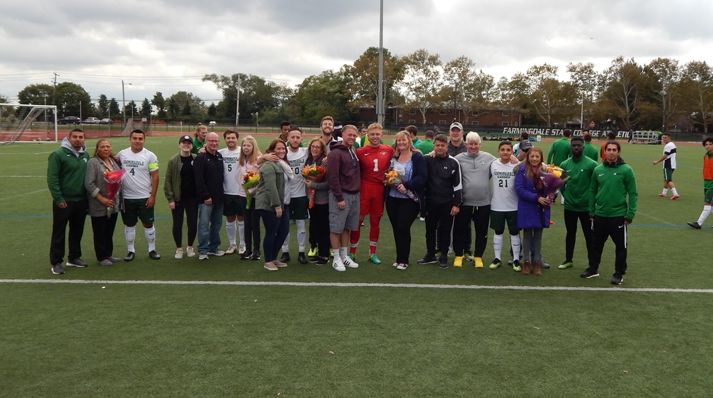 FSC seniors with families and coaches