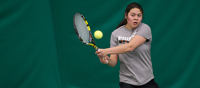 Women's Tennis Takes Down Puget Sound 5-4