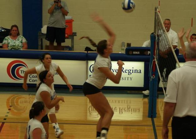Barry led Salve Regina wth 15 kills and a .379 hitting percentage