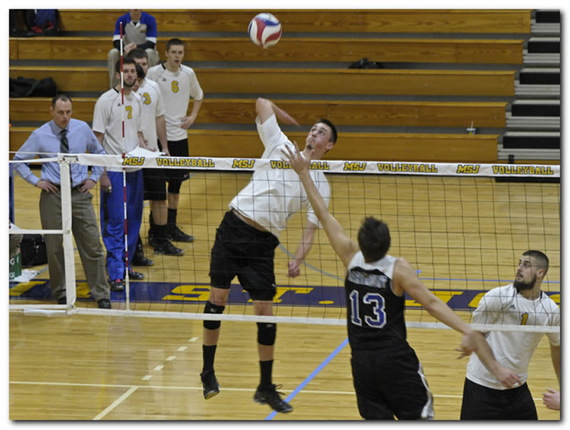 Mount men's volleyball team projected fourth in MCVL preseason poll