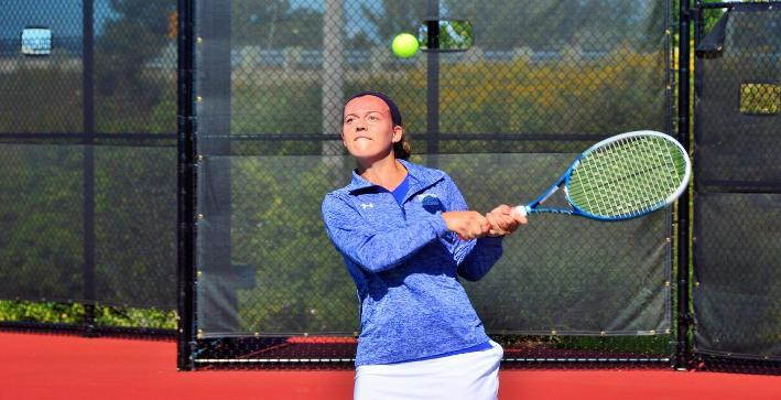 Women's Tennis remains undefeated in NACC play after a pair of wins