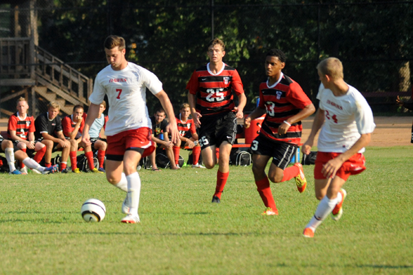 Huntingdon men's soccer gives up late goal in loss to Emory & Henry