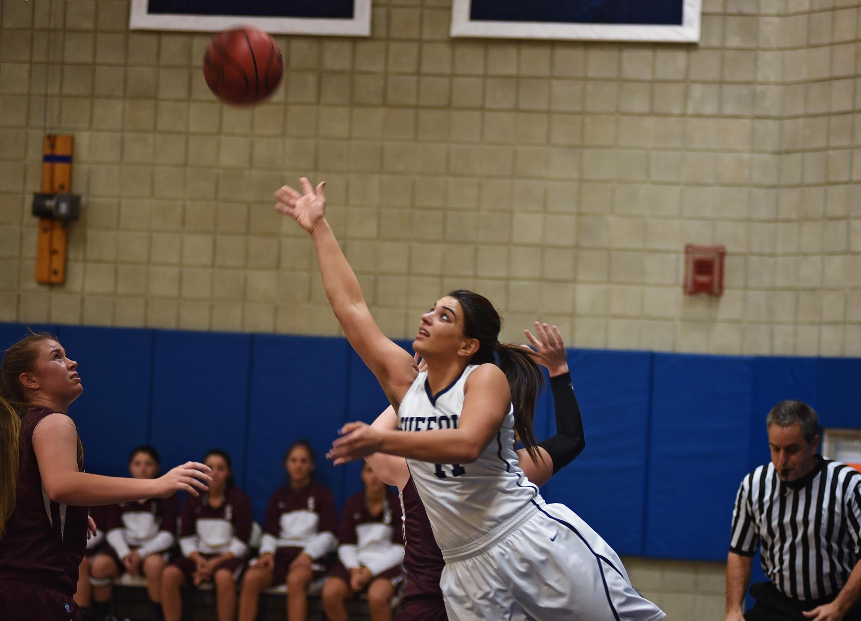 Women's Basketball Handles Pine Manor, 84-68