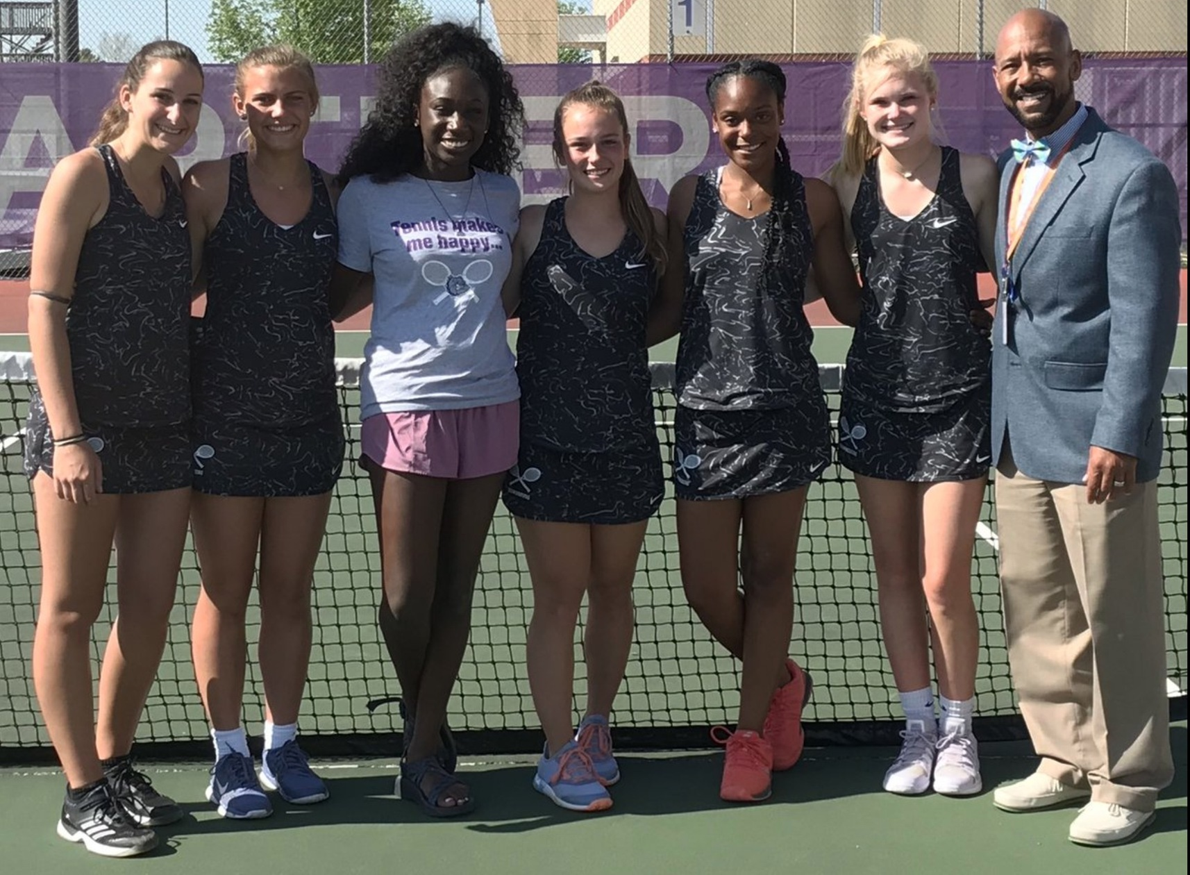 Girls Tennis Sweeps Plainfield on Senior Night