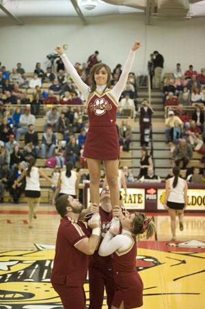 Ferris State Cheerleading Photo Gallery - Ferris State Bulldogs