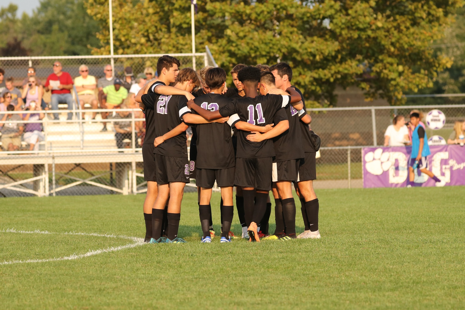 Boys Soccer Falls to Zionsville