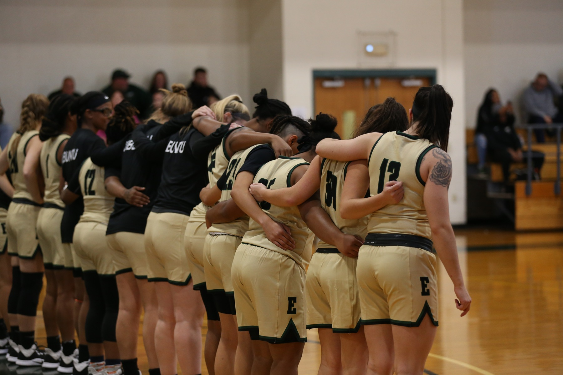 Women's Basketball Picks Up Road Win At Dean