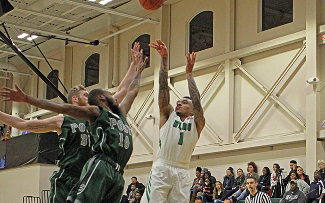 Tyaire Ponzo-Meek and Wilmington Men's Basketball Sink Lincoln (Pa.), 73-70, with Three-Point Buzzer Beater