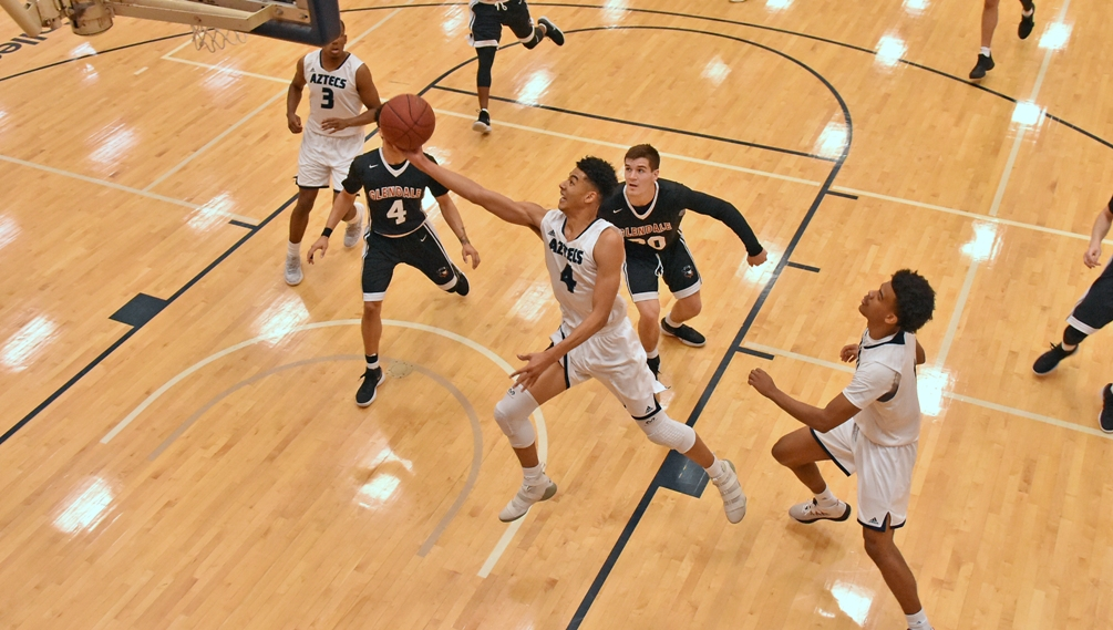 Sophomore Isaiah Murphy scored a game-high 28 points on 9 for 12 shooting and 7 for 8 from three-point range. The Aztecs have won nine straight and 18 of their last 19 games. They are now 23-2 overall and 15-2 in ACCAC conference play. Photo by Ben Carbajal