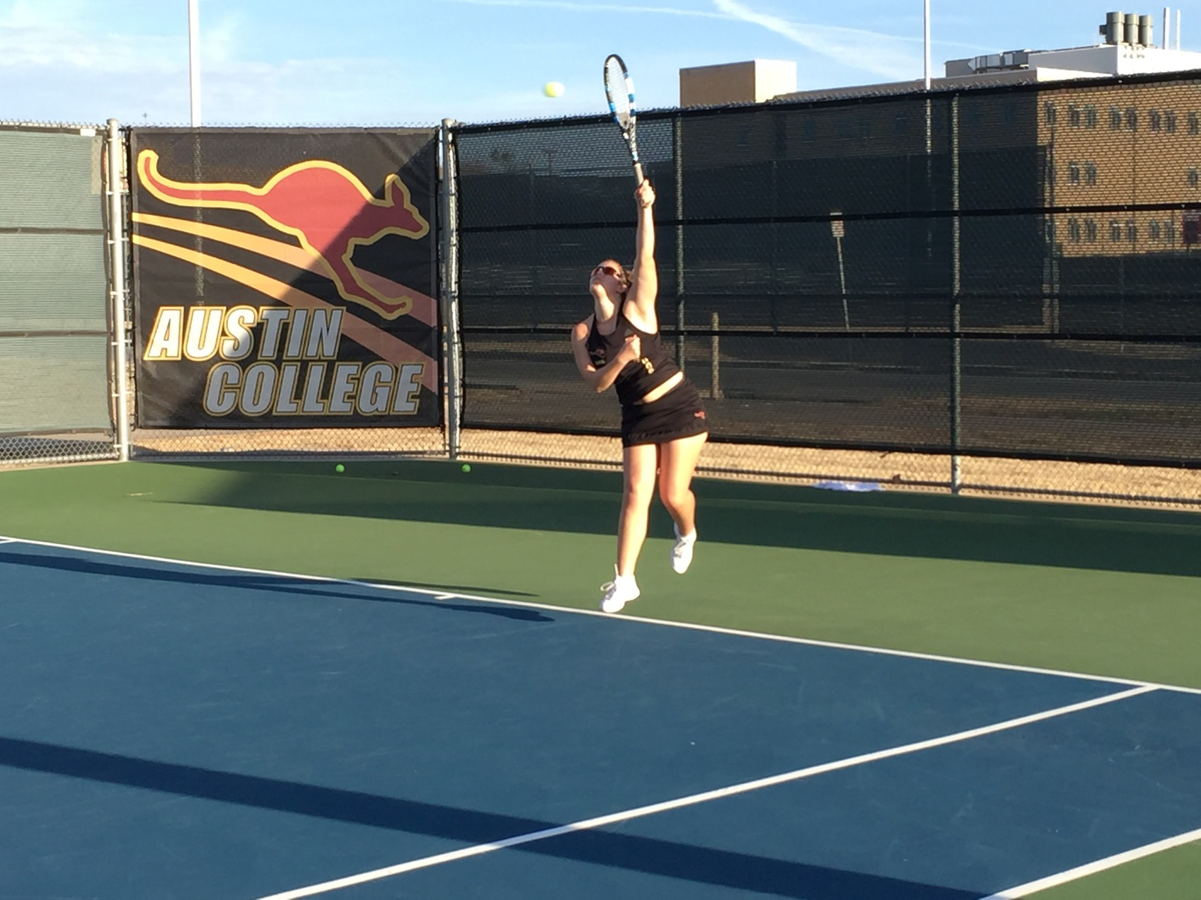 Women's Tennis Records 9-0 Shutout In Home Opener