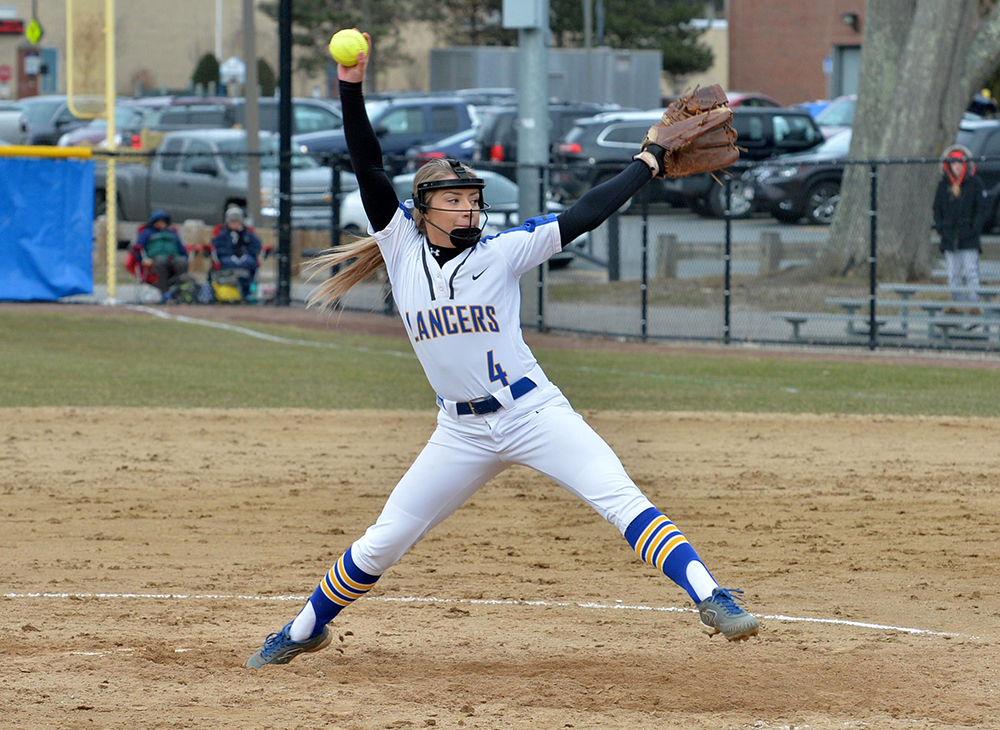 Bats Quieted as Softball Dropped by #20 Brandeis