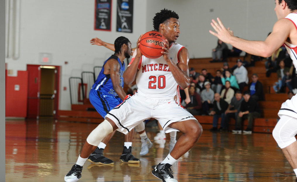 MBB Can't Keep Up with Sacred Heart in Second Half