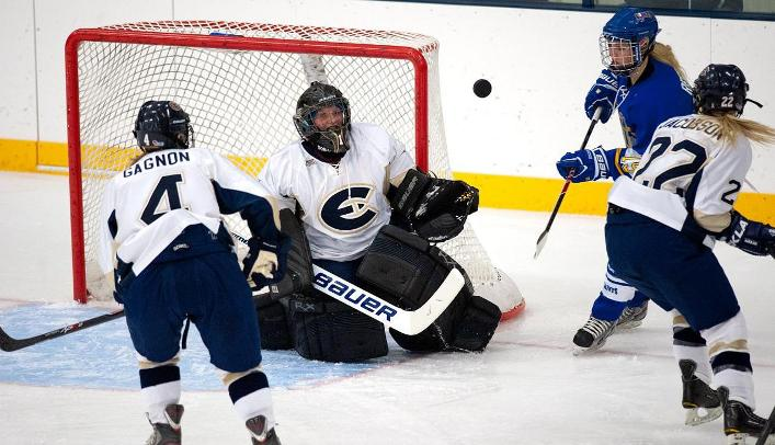 Women's Hockey Wins Second Straight over St. Olaf