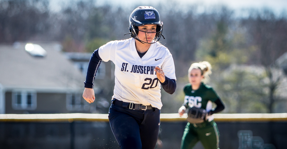 Samantha Simon became the 13th Bear to score 100 runs.