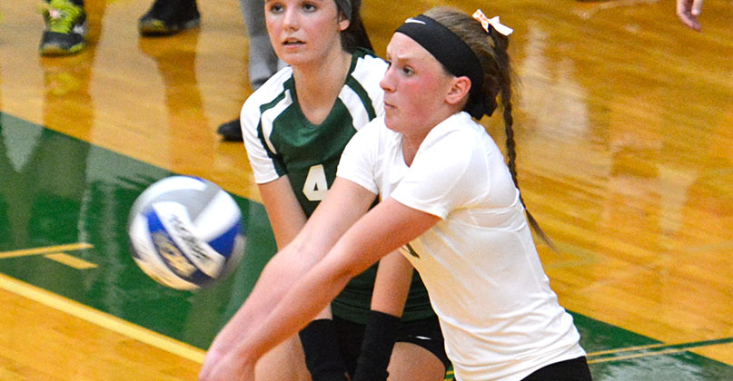 @DubC_Volleyball drops thrilling five-setter