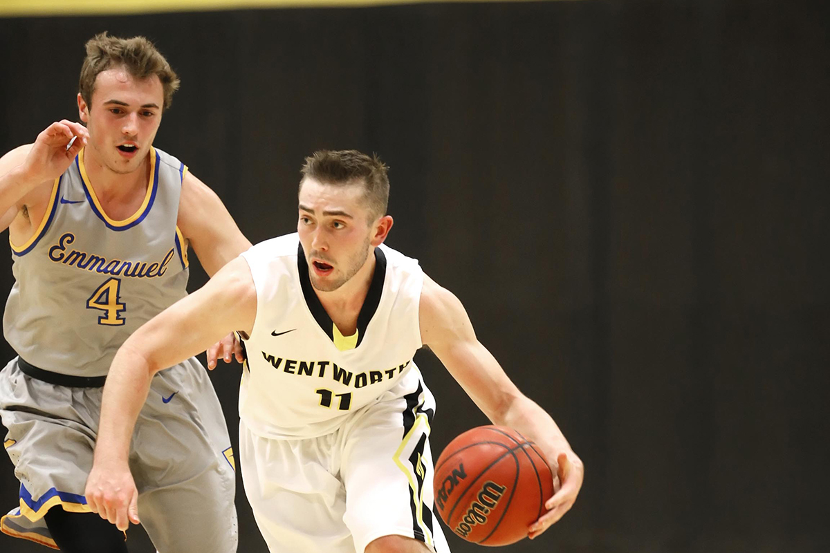 Men's Basketball Outlasts New England College
