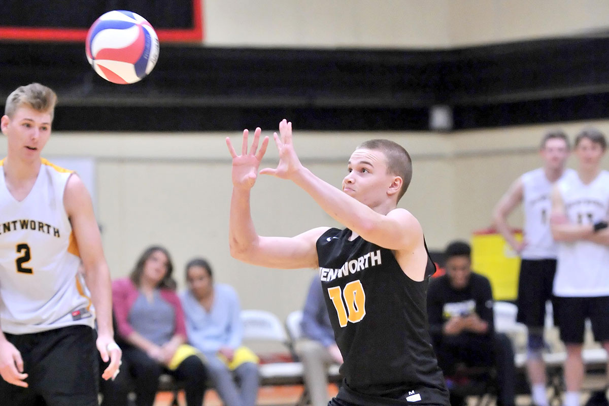 Men's Volleyball Picks up Third Straight Win