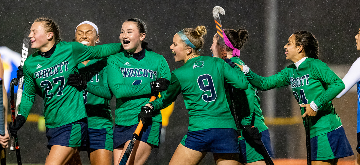 Field Hockey Shuts Out Roger Williams To Advance To CCC Championship, 4-0