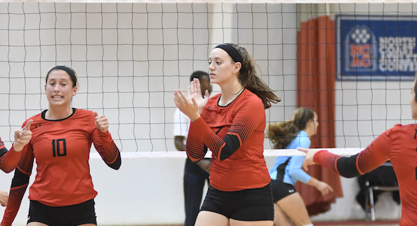 #1 Wittenberg Remains Unblemished with Two NCAC Road Wins
