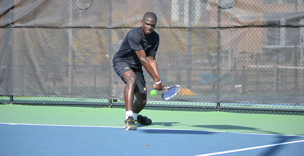Akinshemoyin Wins Clincher as Men's Tennis Edges Xavier, 4-3