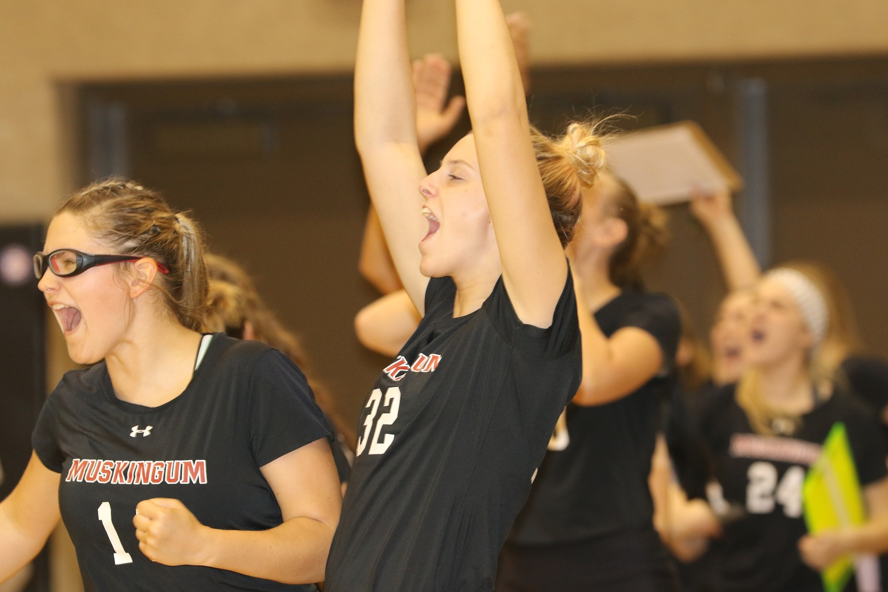 Volleyball Extends Win Streak to Four After Defeating Capital