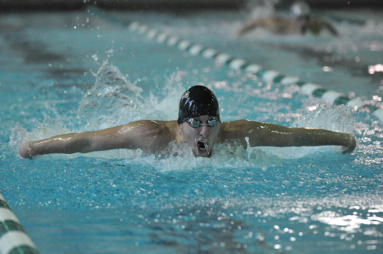 Men's Swimming Powers Past Mount Saint Mary College, 113-72