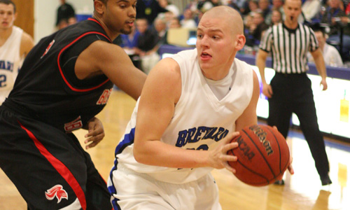 Whitson scores 32 in victory