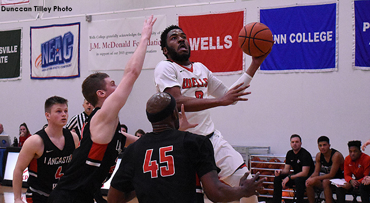 Men's Basketball Knocks Off South Division Leader