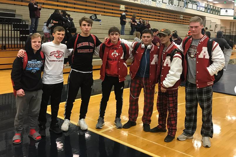 7 Tars wrestlers moving on to Regionals