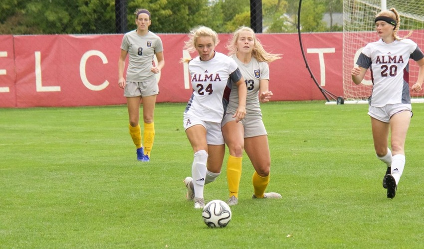 Women's Soccer Battles to 1-1 Tie with Anderson