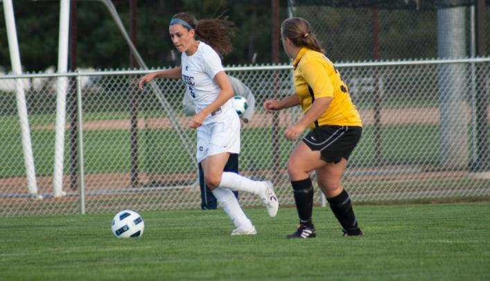 Soccer Falls 2-1 at UW-Stevens Point