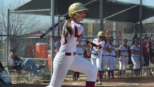 'Roo Softball Earns Dramatic Sweep of Hendrix