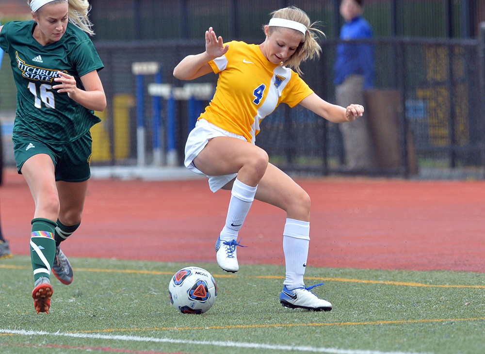 Women's Soccer Falls 2-0 to WPI