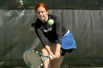 No. 28 women's tennis rallies past MIT, 5-4