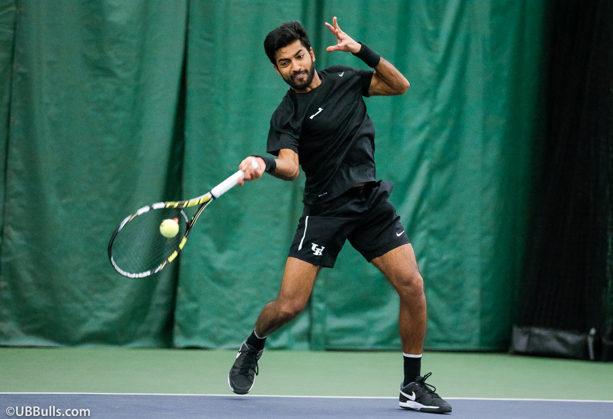 Men's Tennis Rolls Past Binghamton In MAC Opener, 6-1