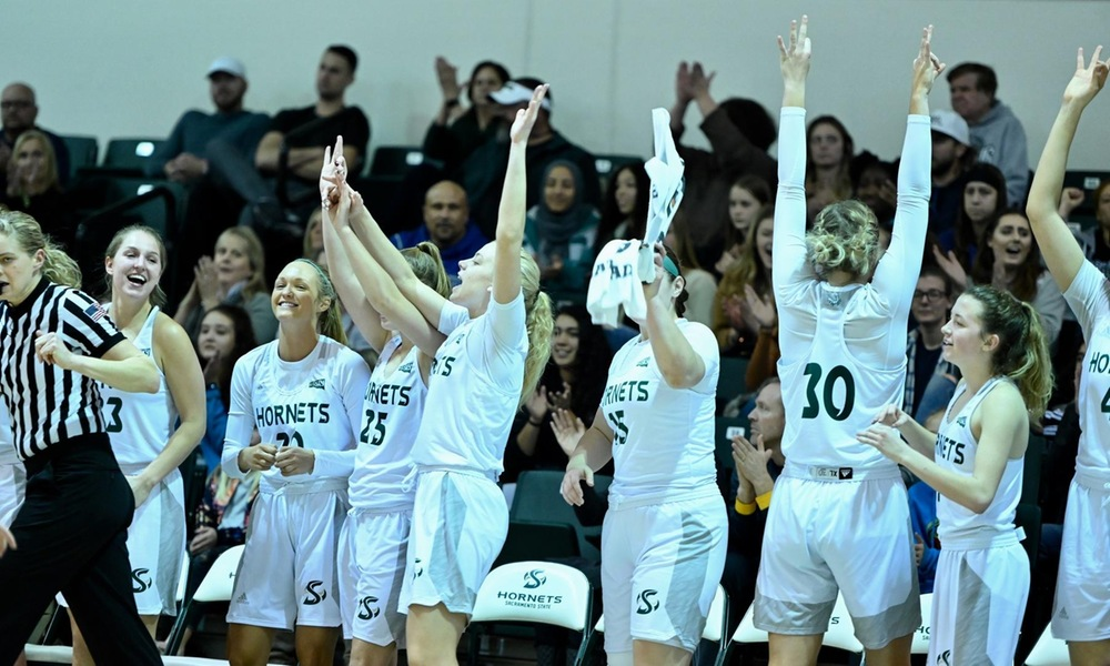 WOMEN'S HOOPS COMPLETES COME FROM BEHIND WIN IN OVERTIME, 75-69, AT SOUTHERN UTAH