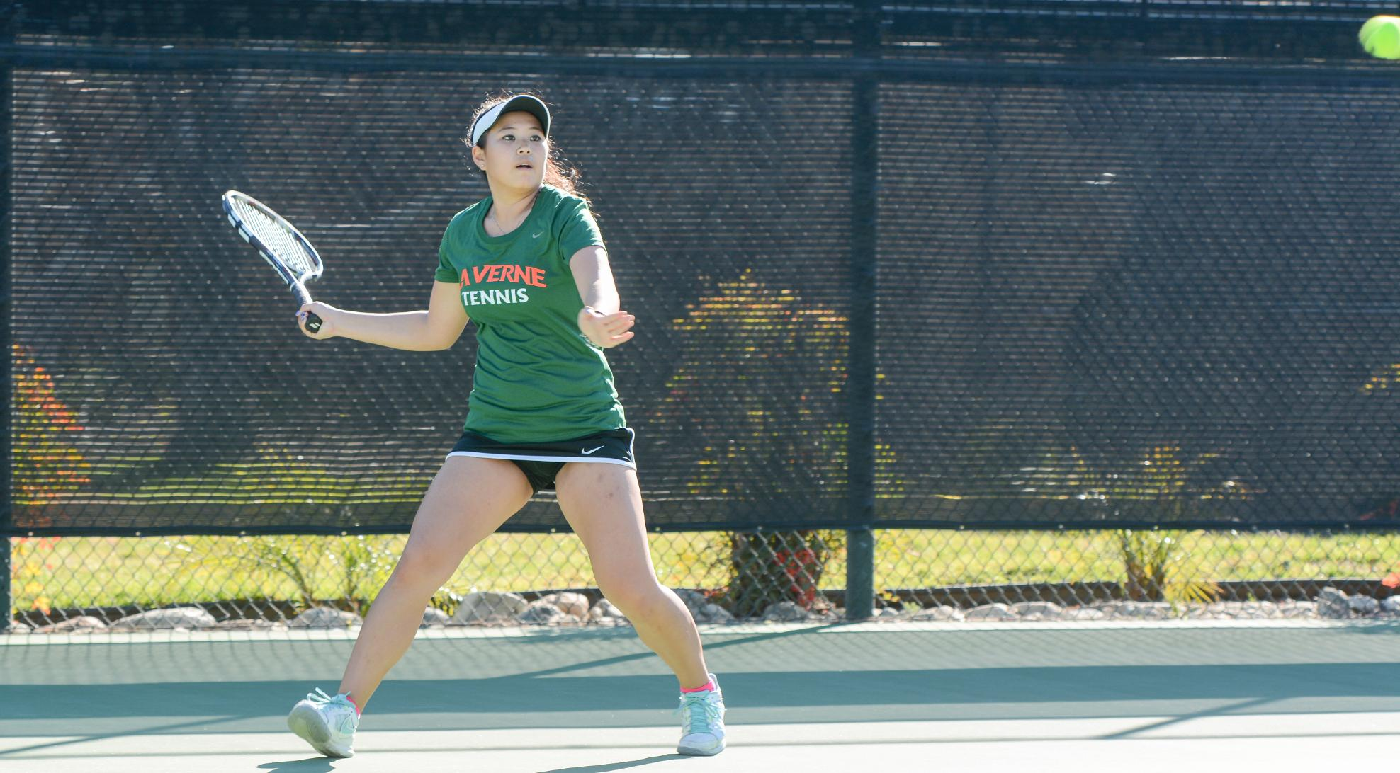 No. 23 Tennis splits trip to Texas