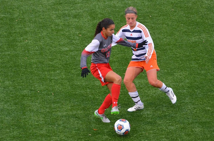 Women's soccer team loses to Hope, 2-1, in MIAA Tournament championship game