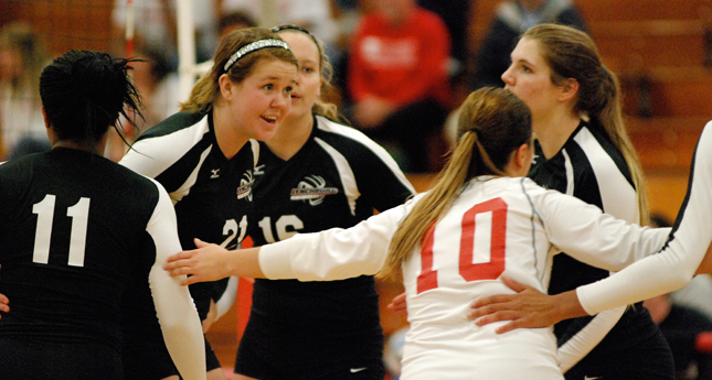 Lynchburg Volleyball Comes Back to Defeat EMU 3-2