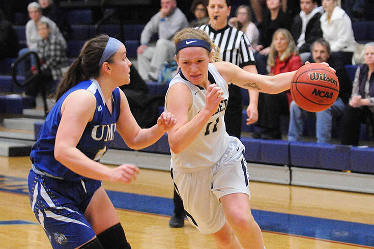 Women's Basketball: Kacavas named to All-Tournament team; Raiders fall to Husson