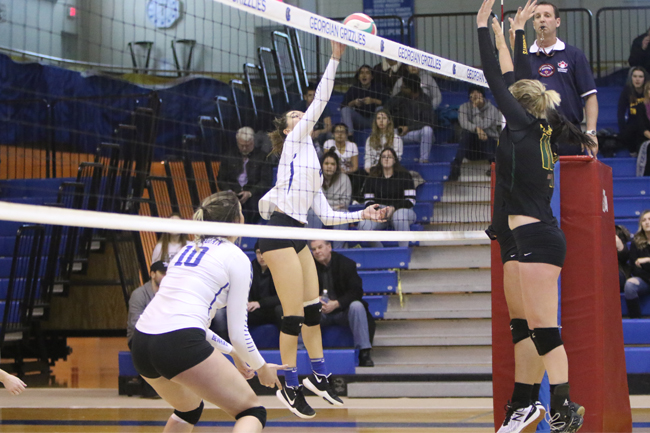 WOMEN'S VOLLEYBALL IMPRESSIVE OVER FLEMING