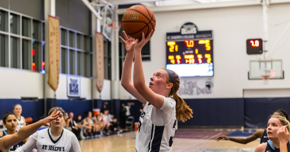 O'Donnell Pours in 31, Women's Basketball Mounts Fourth-Quarter Comeback Over Yeshiva
