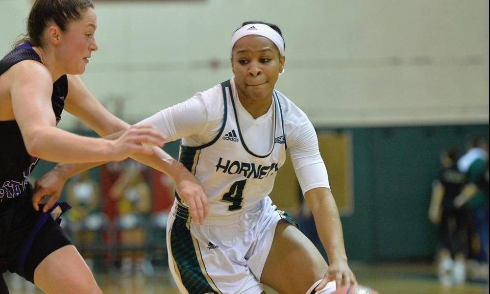 WOMEN'S BASKETBALL GOES FOR SWEEP IN IDAHO