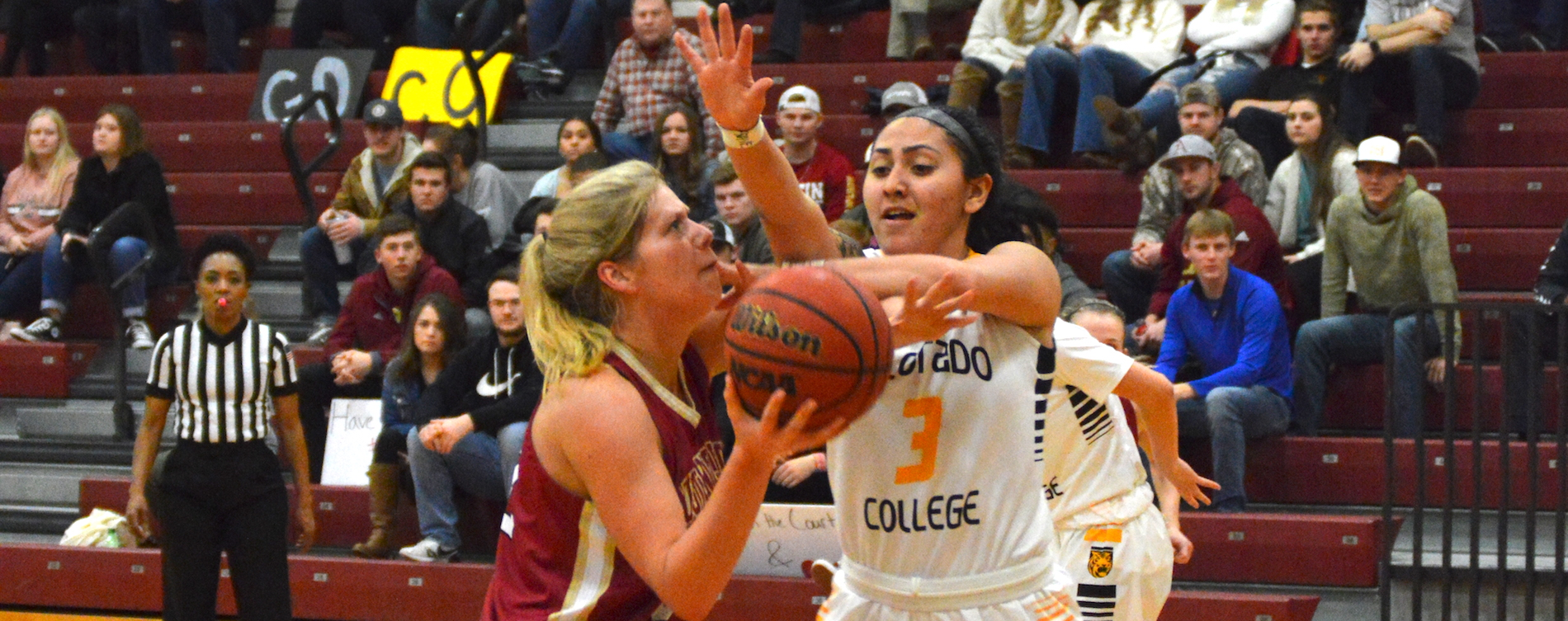 Austin College Women Roll Over Tigers