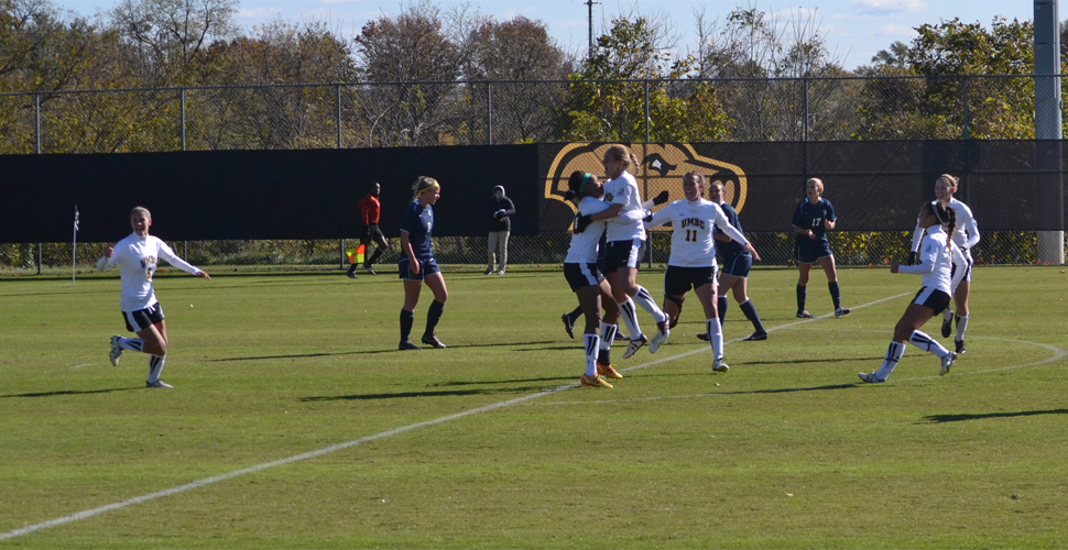 No. 2 UMBC Women's Soccer Ends 2014 Campaign in PKs Versus No. 3 New Hampshire